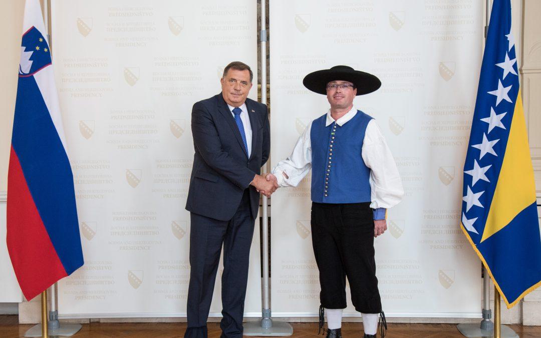 Предсједавајући Предсједништва БиХ Милорад Додик примио акредитивно писмо новоименованог амбасадора Републике Словеније у БиХ Дамијана Седара