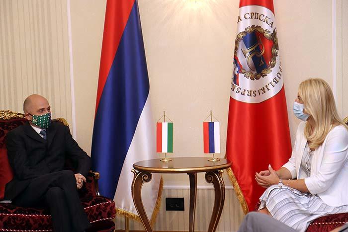 Предсједница Републике Српске разговарала са амбасадором Мађарске у БиХ