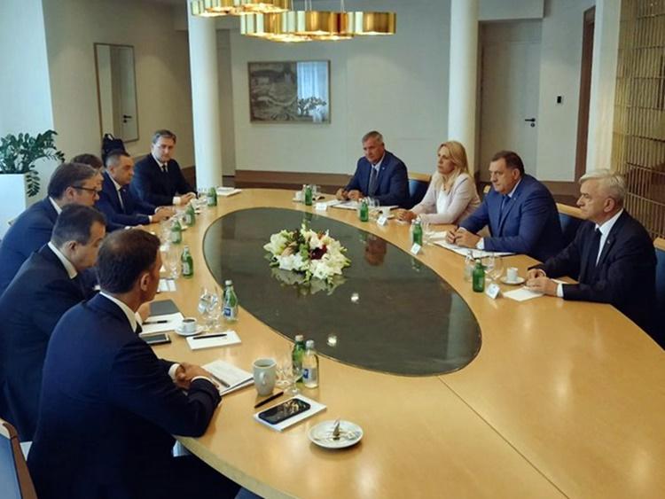 У Београду одржан састанак руководстава Републике Српске и Србије